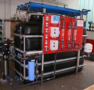 Holzverarbeitende Industrie. Baujahr: 2009. Leistungsvermögen: 2 m3 / h. Besonderheiten: platzsparende Kompaktanlage vorhandene Technik wurde weitgehend integriert.