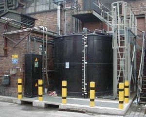 CO2-Rielser und Vorratstanks
